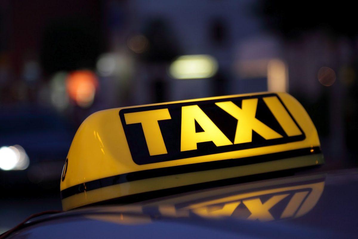 Dumitru Pelin // Domnilor taximetriști din Berț*, vorbiți românește!