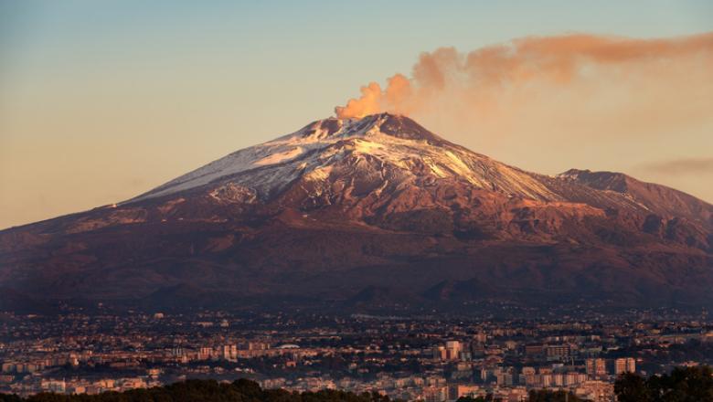 Vulcanul Etna a erupt din nou