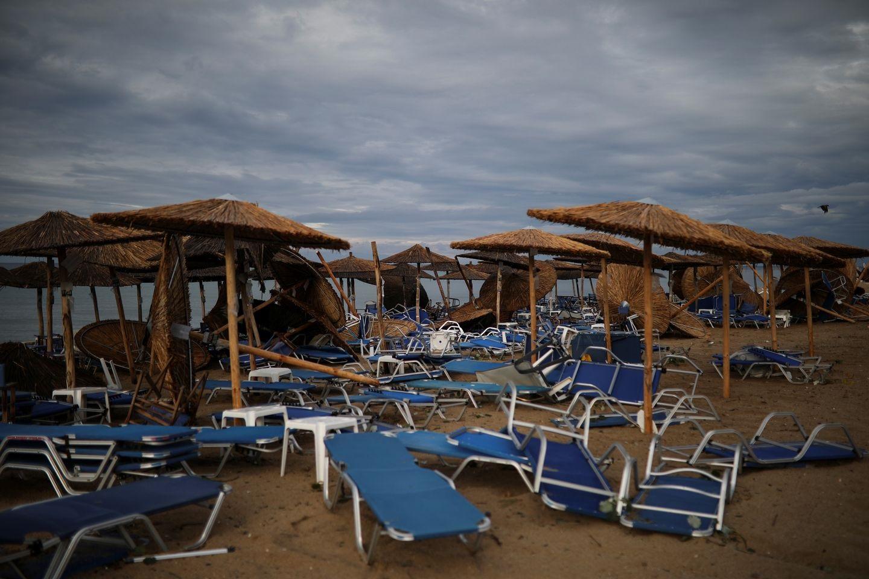 Avertizare de călătorie în Grecia! Mai multe regiuni sunt afectate de ploi torențiale și furtuni