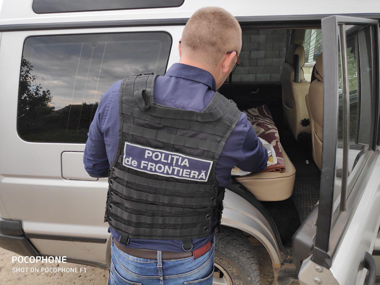 Trei cazuri de trafic ilicit de țigarete, înregistrate la frontiera de nord a republicii