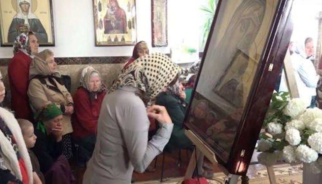 Virgil Botnaru// La biserică se adună toate minciunile din sat