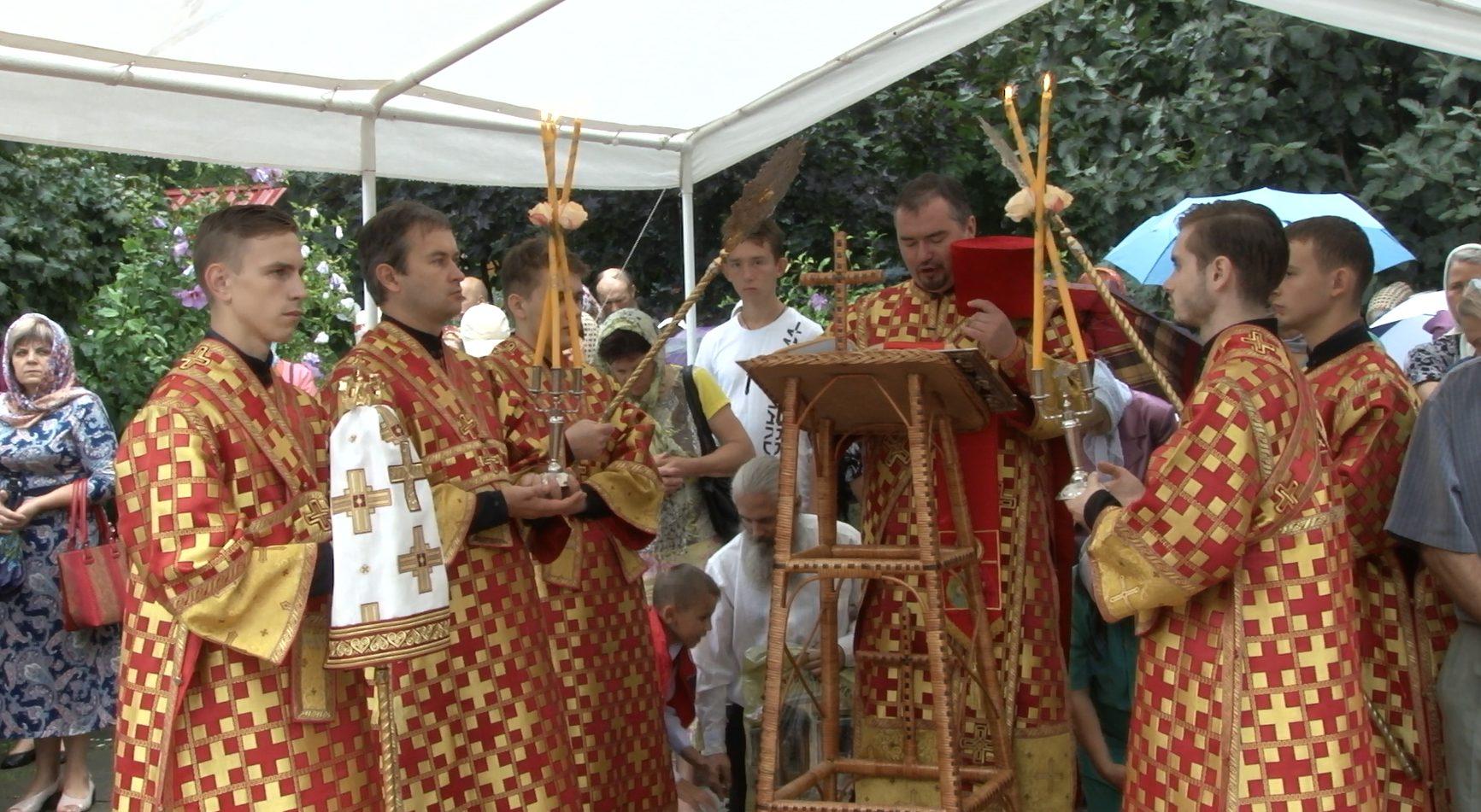 VIDEO | Creştin ortodocşii din Bălți l-au sărbătorit astăzi pe Sfântul Mare Mucenic Pantelimon
