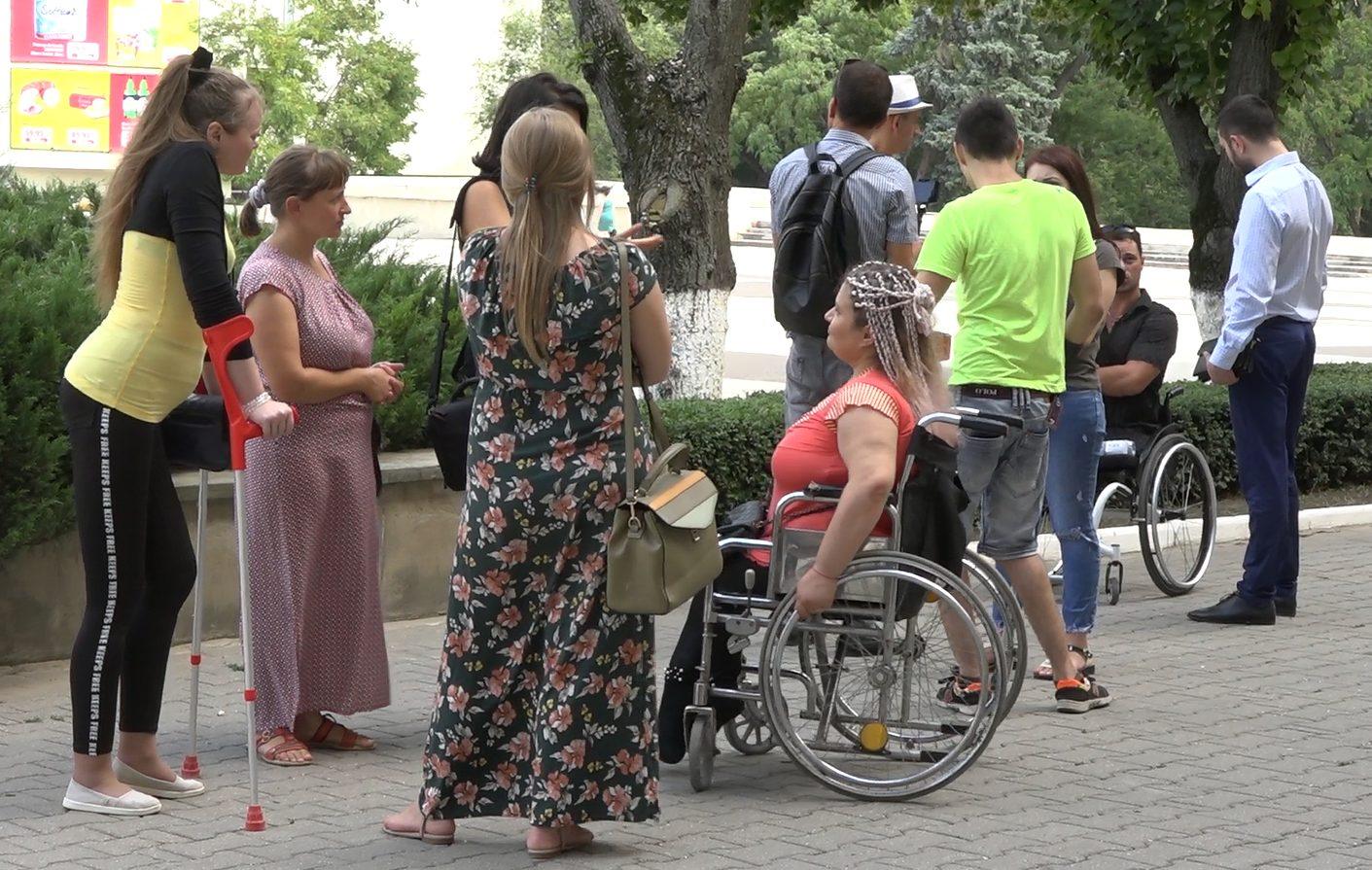 VIDEO | Un eveniment soldat cu scandal în incintaPrimăriei Bălți