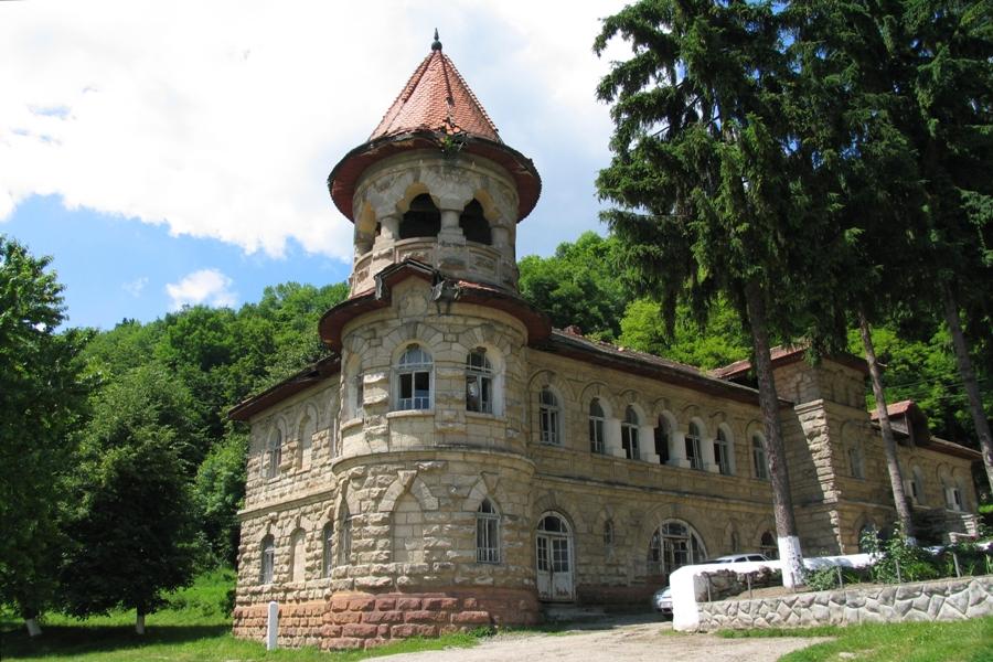 Curiozitatea curiozității! Știați că.. Mănăstirea Rudi este o mănăstire de călugărițe, aflată pe malul Nistrului la o distanță de 15 km de orașul Otaci, R. Moldova?