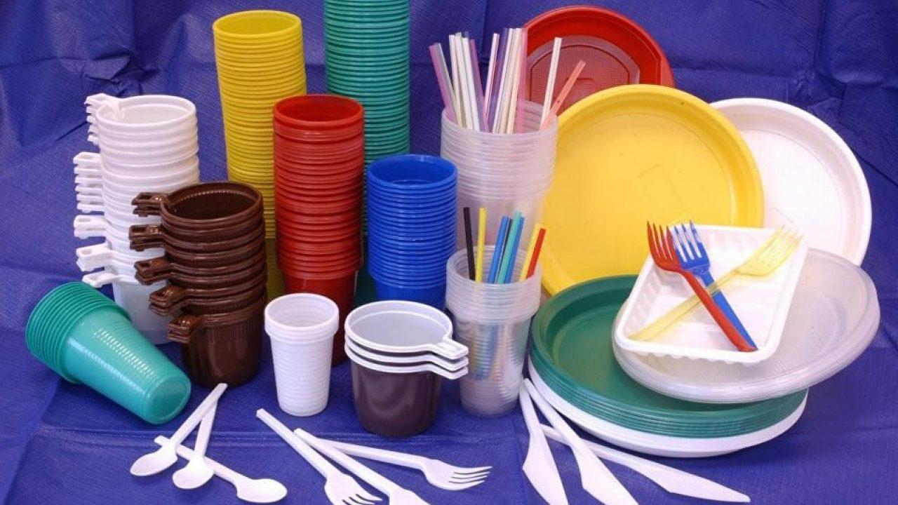 Utilizarea pungilor şi a veselei din plastic de unică folosinţă va fi sancționată