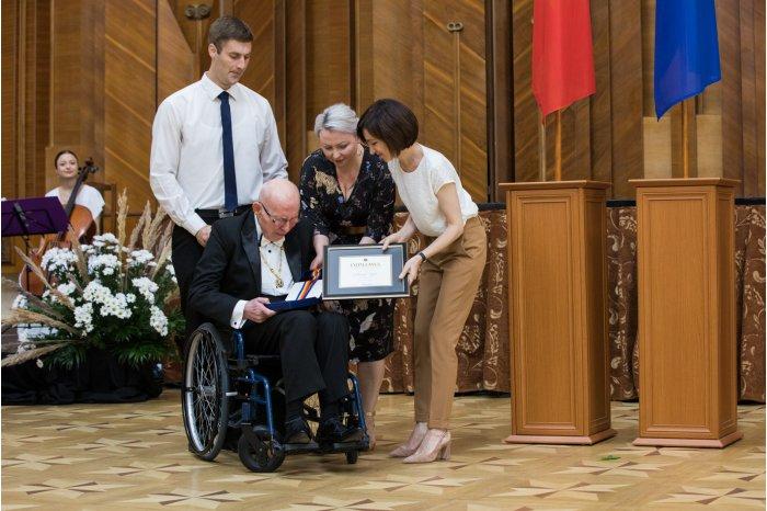 Premierul Maia Sandu a înmânat Premiile Naționale pentru anul 2019