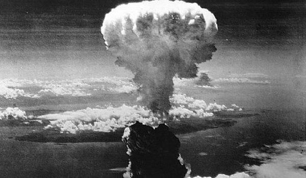 Astăzi se împlinesc 74 de ani de la lansarea primei bombe atomice