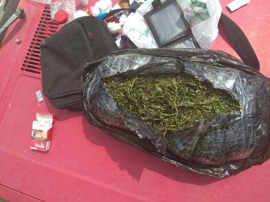 Trei persoane cercetate penal pentru consum și realizarea substanțelor narcotice