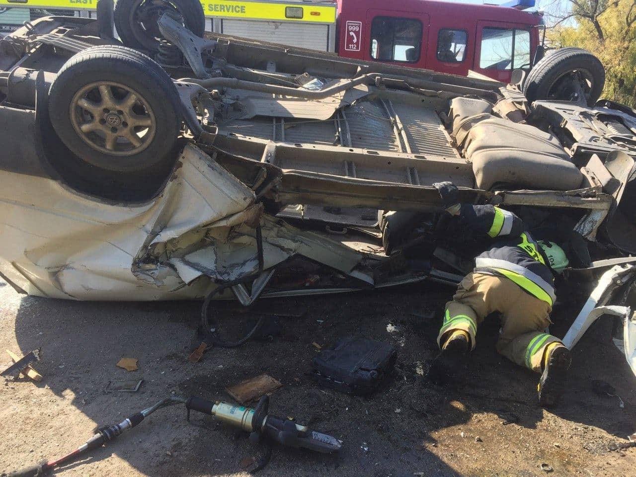 FOTO | ACCIDENT TRAGIC LA EDINEȚ. Un bărbat de 46 de ani a decedat pe loc, iar alte două persoane, transportate la spital