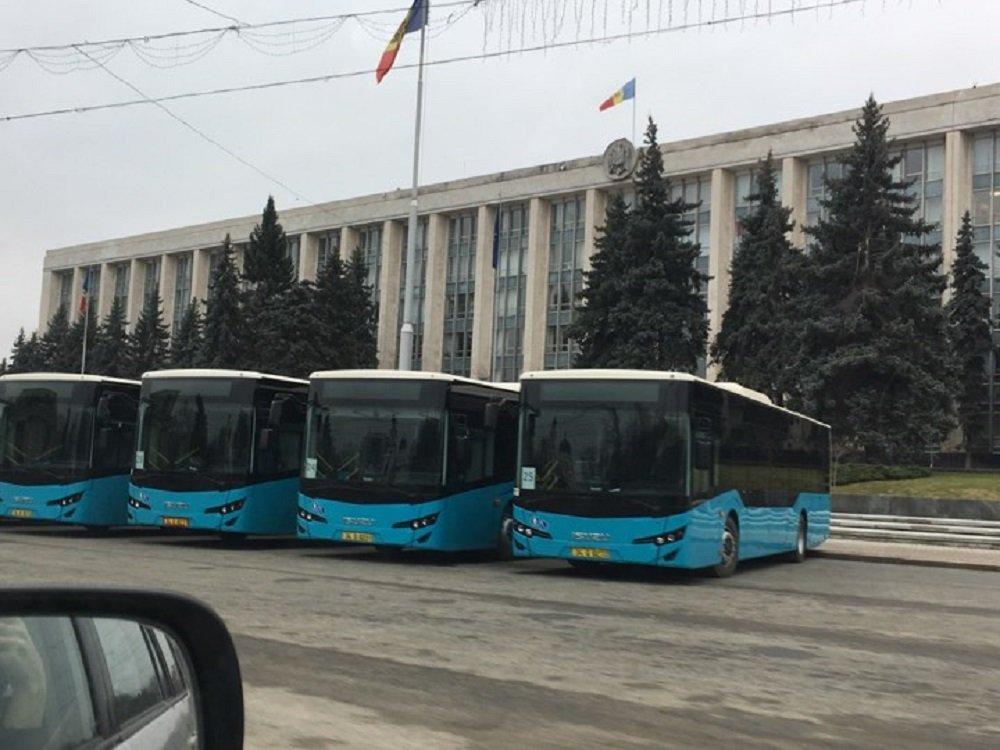 В Кишинёве расследуют покупку 31 автобуса у офшора