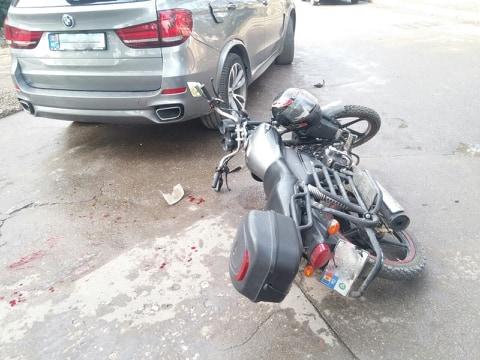 FOTO | Un șofer de 24 de ani din Bălți a suferit leziuni corporale într-un accident rutier