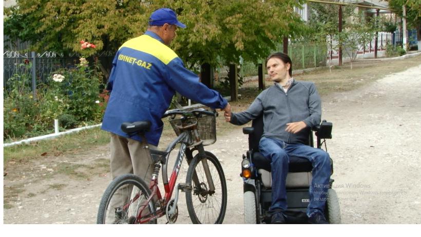 VIDEO | Un tânăr în scaun cu rotile din Cupcini, Edineț, vrea să devină consilier orășenesc