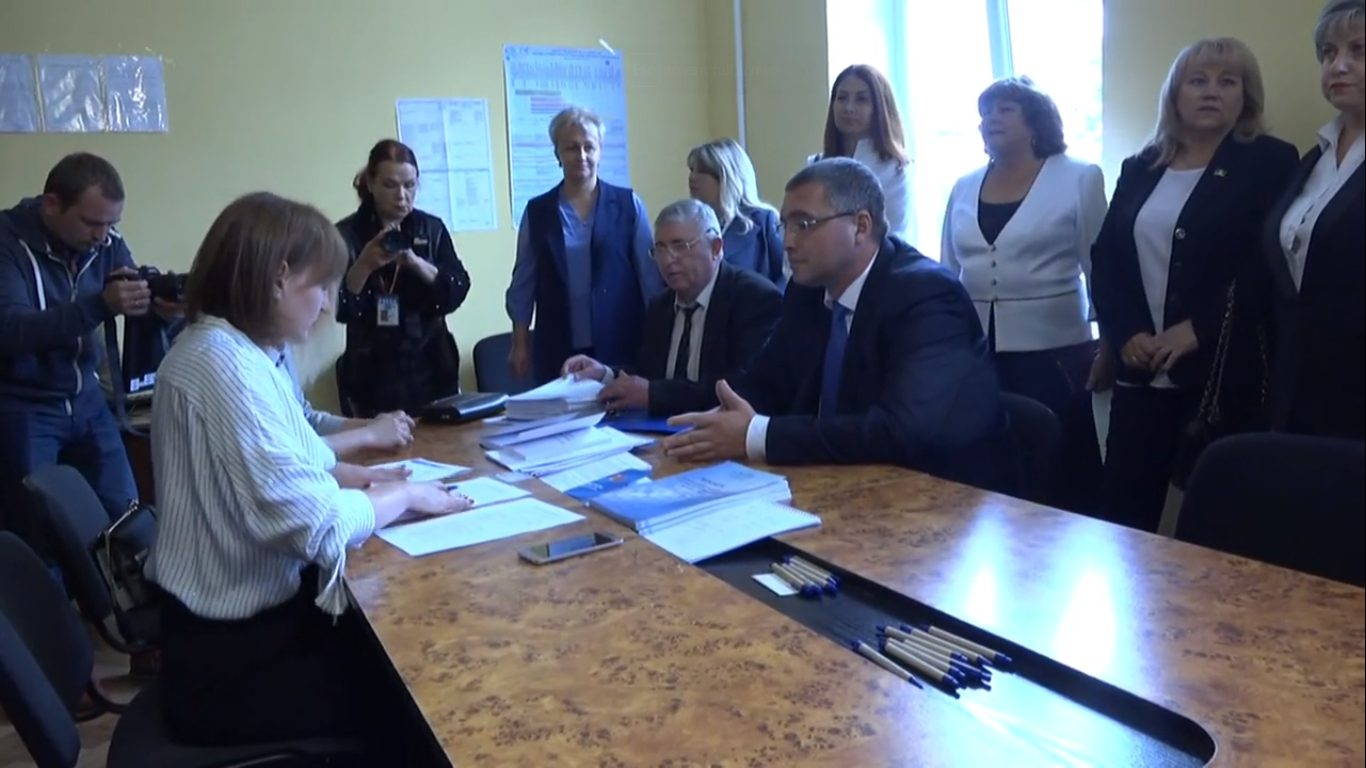 LIVE | Renato Usatîi își înregistrează candidatura la funcția de primar de Bălți