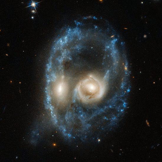 """Под Хеллоуин астрономы опубликовали фото """"космического призрака"""""""