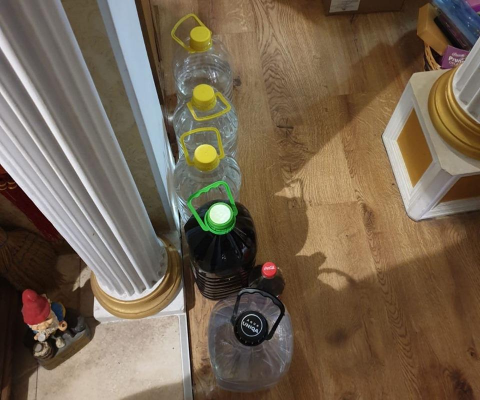 Alcool etilic contrafăcut, depistat de polițiștii din Bălți