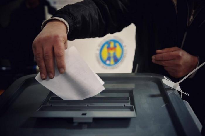 AUDIO | Caz de corupere a alegătorilor într-un sat din raionul Glodeni. Un vot costă 200 de lei