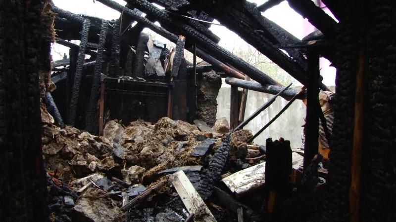 VIDEO | Din cauza unui incendiu au rămas fără provizii în prag de iarnă