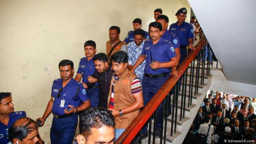 В Бангладеш 16 человек приговорили к смертной казни за убийство школьницы. Ее сожгли на крыше школы