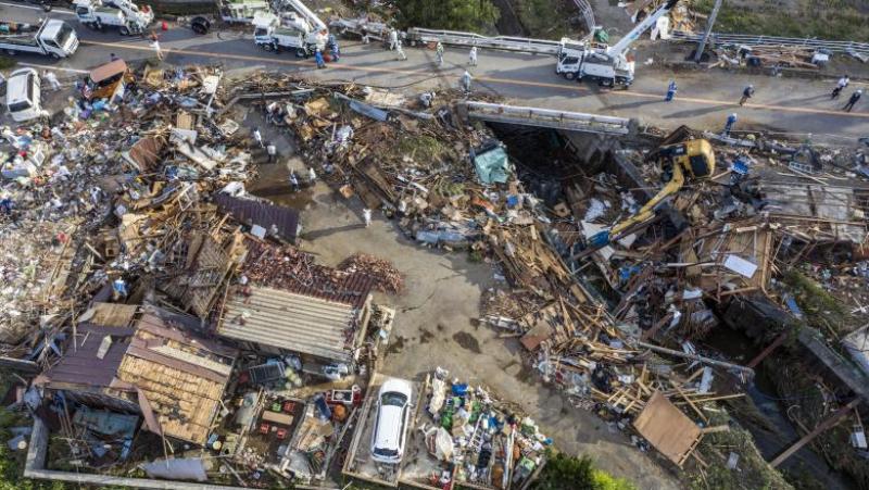 Prăpăd în Japonia: au căzut 940 de litri de ploaie pe metru pătrat în 24 de ore!
