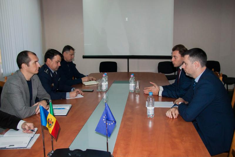 Reprezentanți ai IGPF și JTI, întruniți în ședință de lucru
