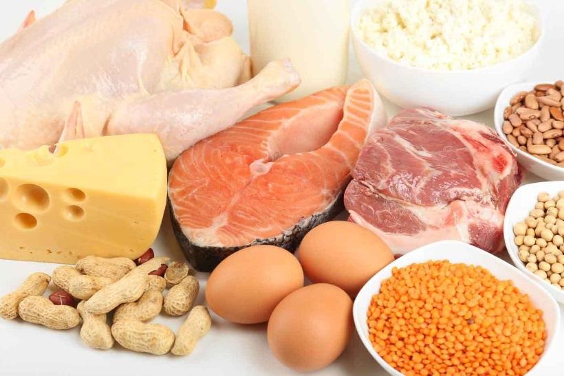 (Бес)полезные советы // Сколько нужно употреблять белков в день