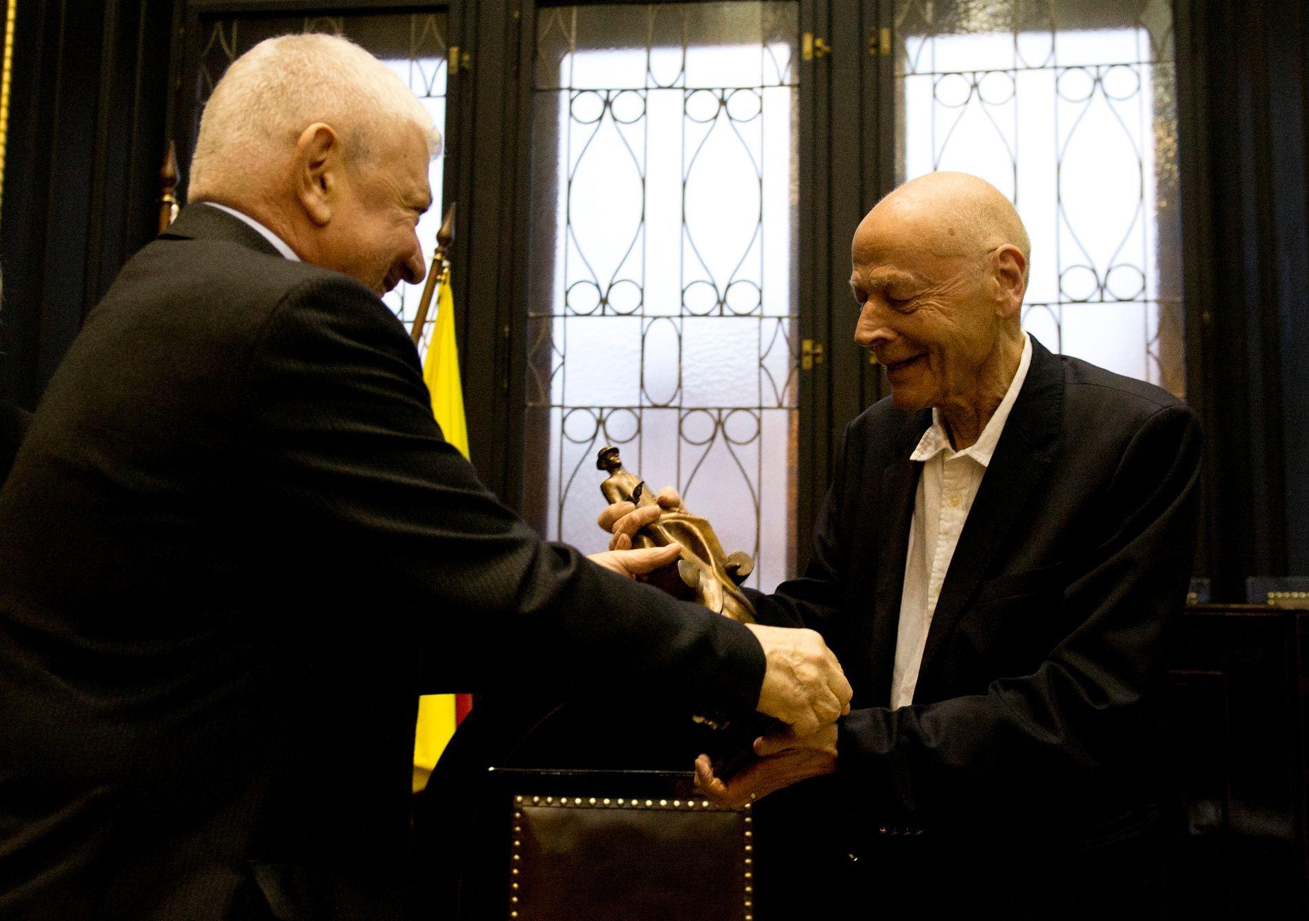 Scriitorul francez Pierre Michon, recompensat cu premiul Franz Kafka pentru literatură 2019