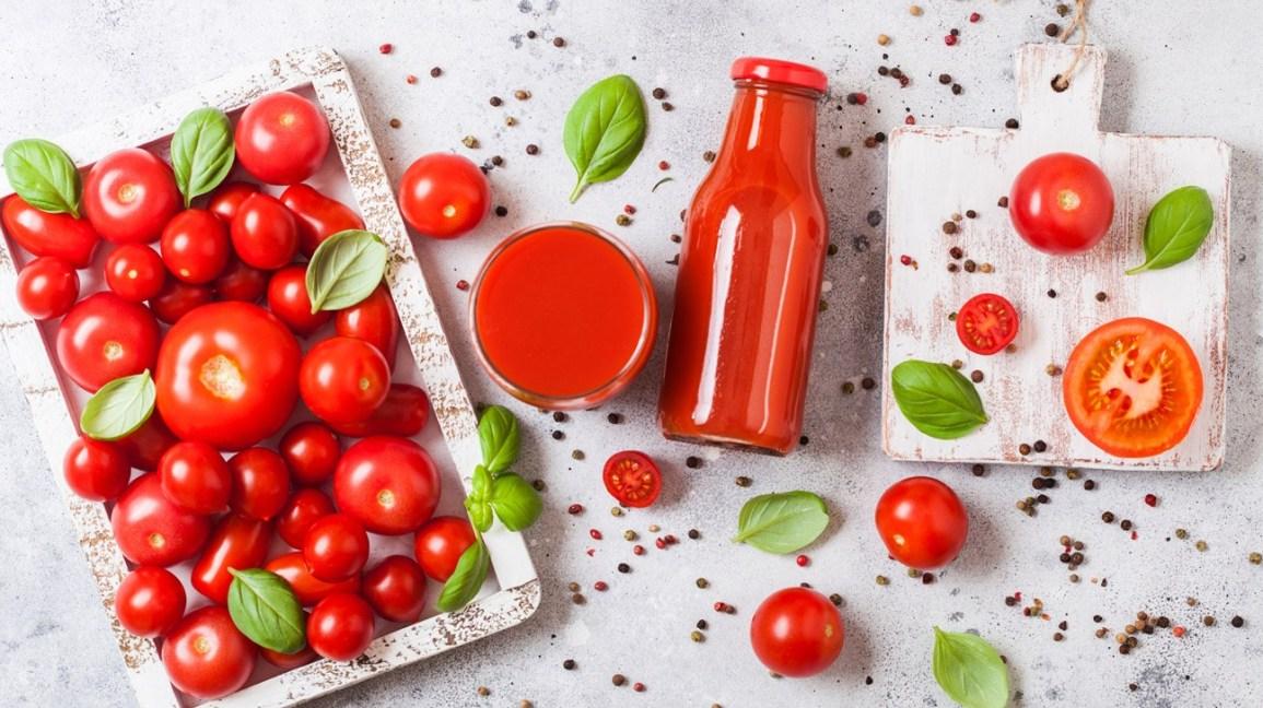 (Бес)полезные советы // Как томатный сок влияет на организм человека
