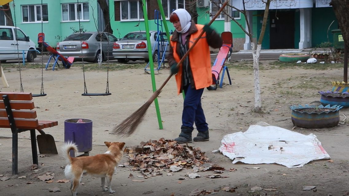 ВИДЕО | Больше 300 работников ЖКХ в Бельцах не получили зарплату. Люди готовятся бастовать