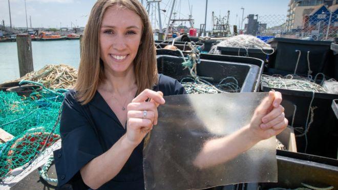 Биоразлагаемый пластик из рыбьей чешуи. За что присудили премию Джеймса Дайсона