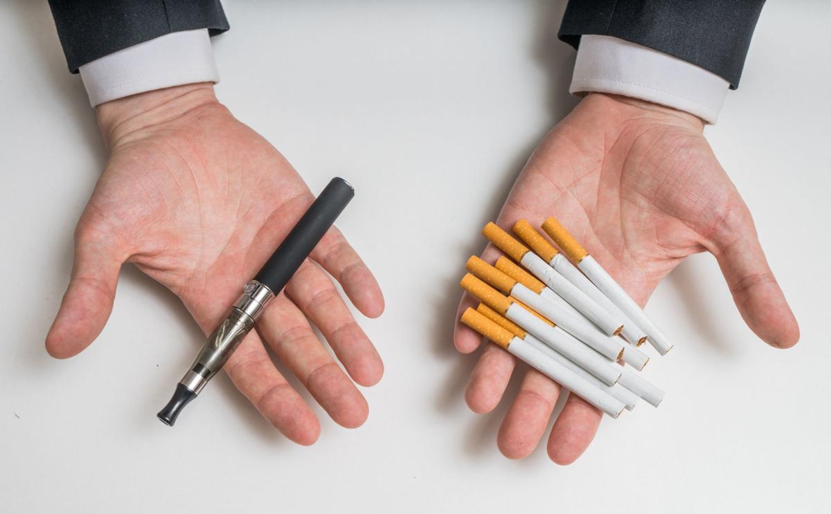 Резкие надписи отталкивают курильщиков от перехода с обычных сигарет на электронные
