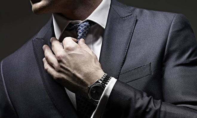 (Бес)полезные советы //  Как правильно завязывать галстук