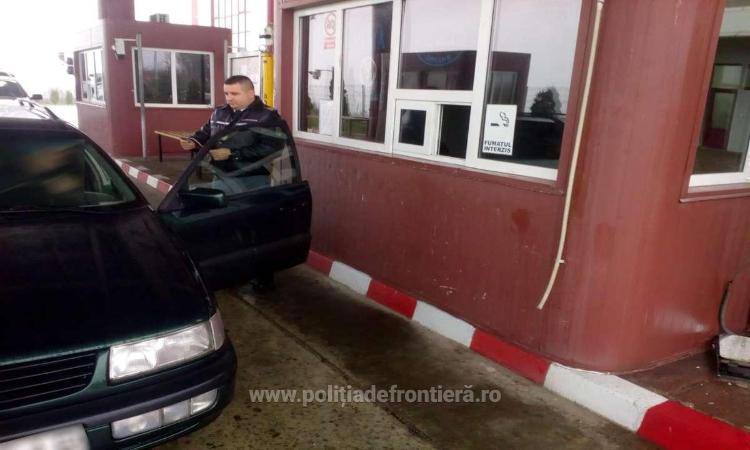 Un cetățean al R.Moldova, prins cu permis de conducere fals în România