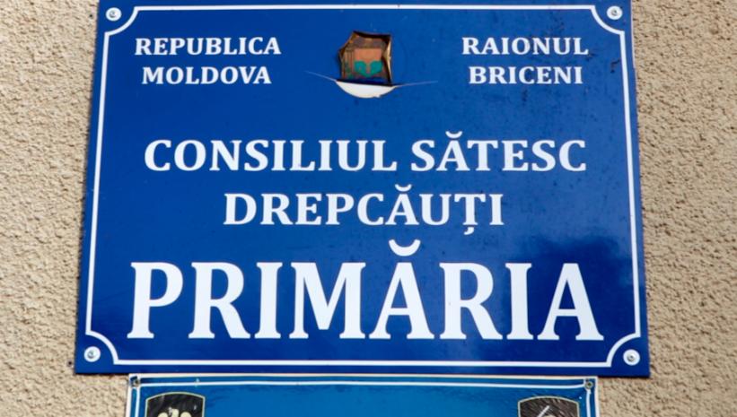 VIDEO | Primărie pustie în satul Drepcăuți,raionul Briceni. Angajații au încuiat birourile la îndemnul fostului primar