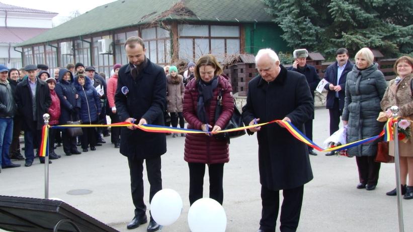 VIDEO | Un primar socialist din nordul Republicii a renovat trotuarele orașului pe bani europeni