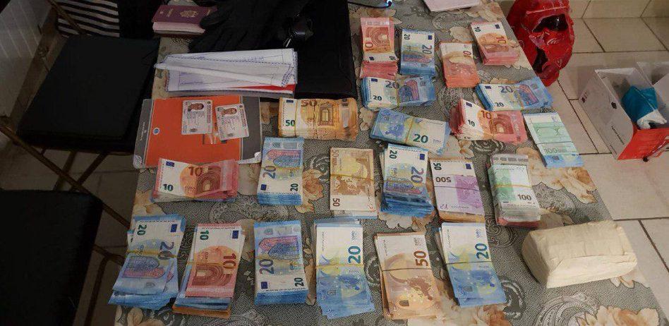 VIDEO | Operațiune internațională de destructurare a unui grup criminal organizat specializat în contrabanda cu produse de tutungerie și spălare a banilor