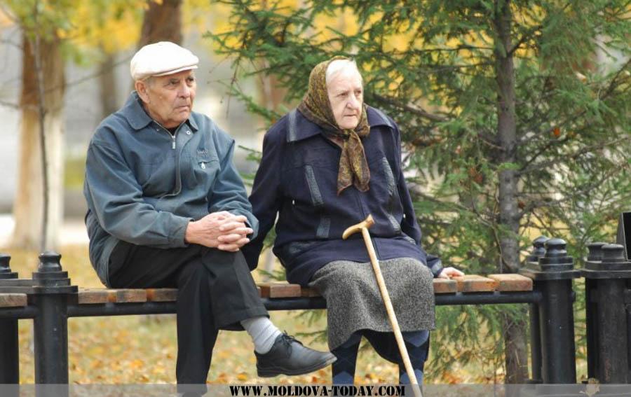 Более 50% пенсионеров получают пенсии ниже прожиточного уровня