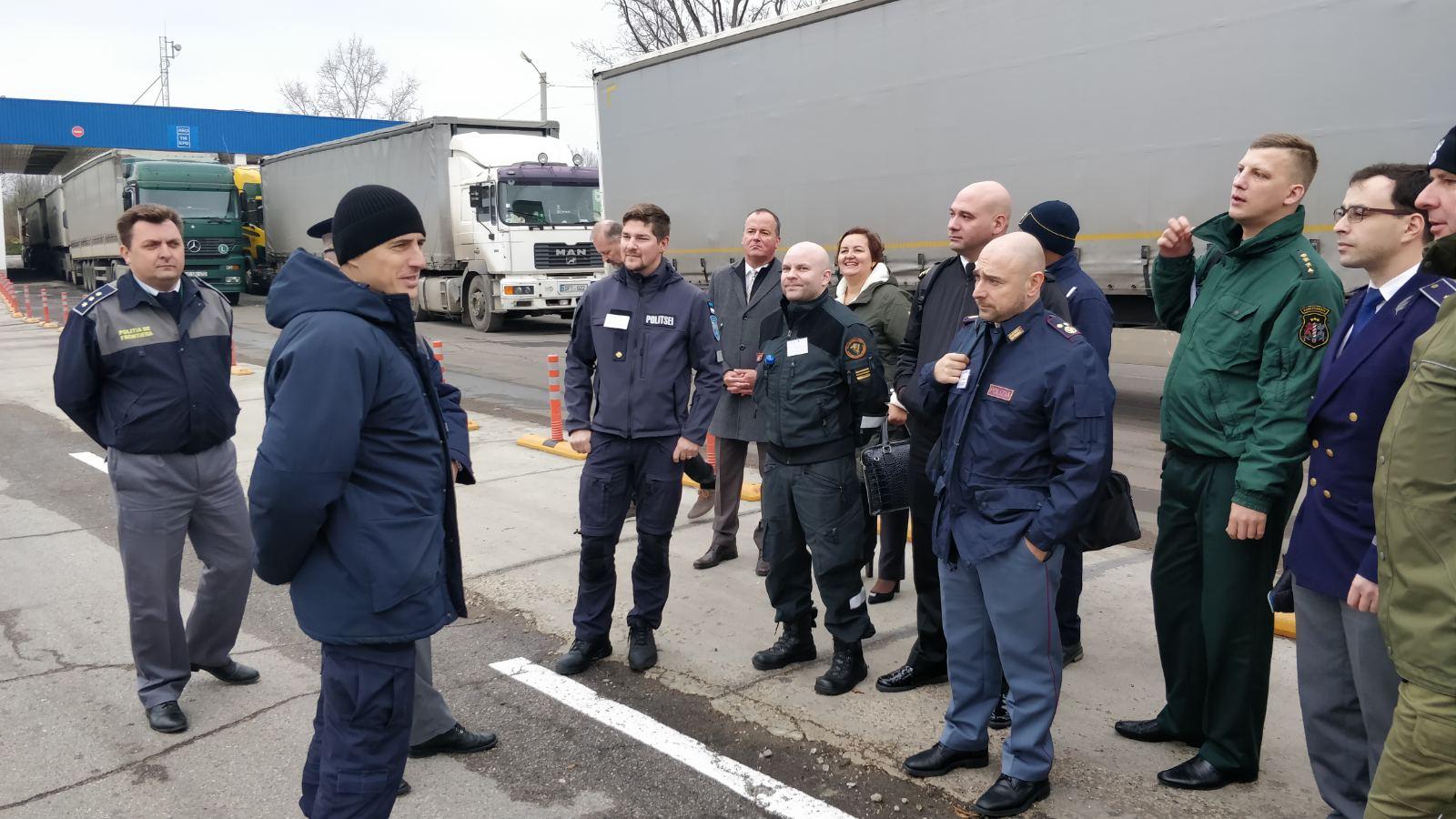 FOTO | Cursanți din Uniunea Europeană în vizită în punctul de trecere Sculeni