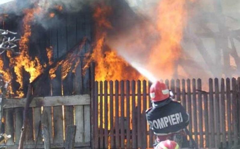 O persoană și-a pierdut viața într-un incendiu izbucnit în Clococenii Vechi, raionul Glodeni