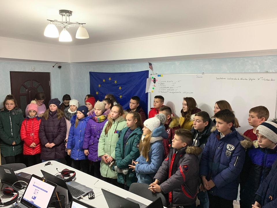 FOTO | Un grup de elevi din satul Sărata Veche, raionul Fălești, în vizită la Nord News