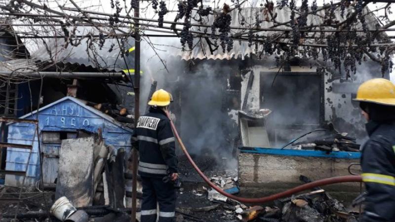 Doi soți din raionul Soroca au ars de vii în propria locuință