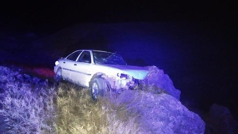 FOTO | Un vitezoman băut și-a bușit mașina într-un pietroi, la Sîngerei. Pasagerul a murit pe loc