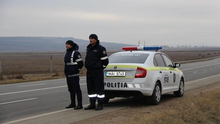 De Crăciun fii mai bun. Un agent de patrulare din Briceni a refuzat să ia mită de la un șofer băut