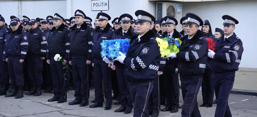 VIDEO | La Bălți a fost marcată Ziua Poliției Naționale. Primarul orașului, Renato Usatîi, a oferit Inspectoratului de Poliție 200 de mii de lei