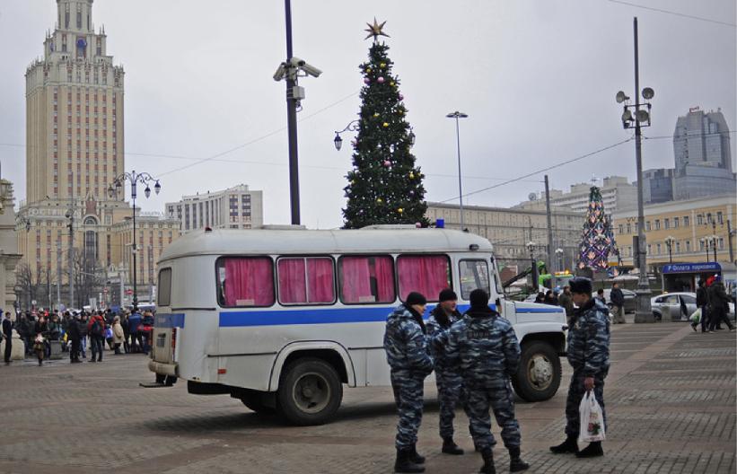 Un val de alerte cu bombă afectează Moscova de aproape o lună. Aproape 800 de mii de persoane evacuate