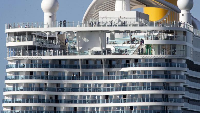 6.000 de pasageri blocați pe un vas de croazieră, în Italia, din cauza suspiciunii de infectare cu coronavirus
