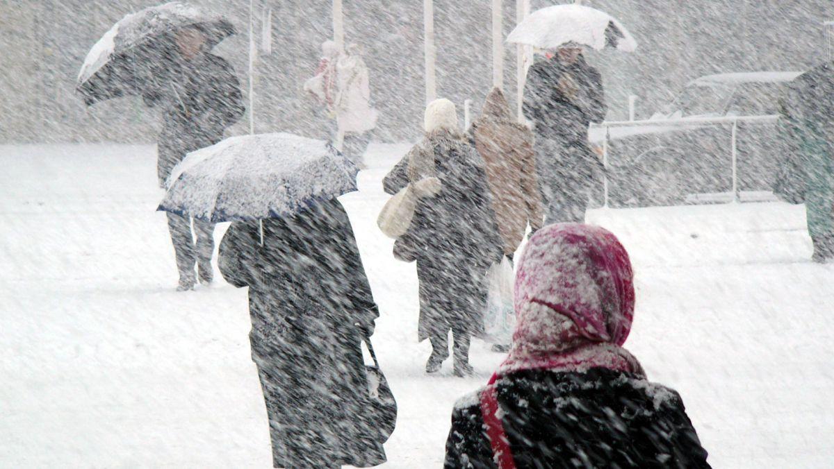 Meteorologii anunță ninsori în centrul și nordul țării