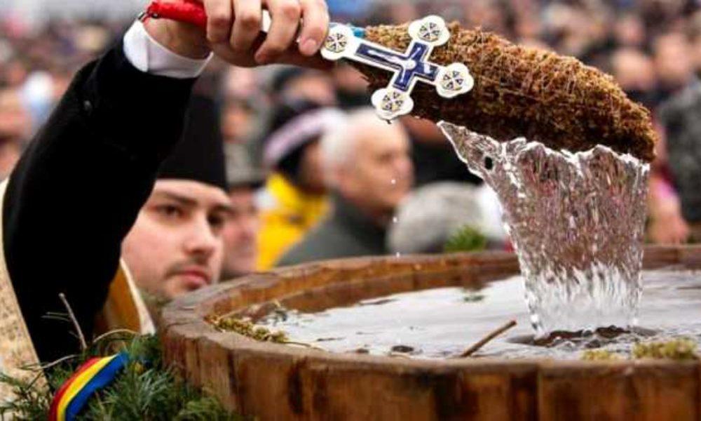 Boboteaza sau Botezul Domnului este pe 19 ianuarie. Tradiții și superstiții de Bobotează