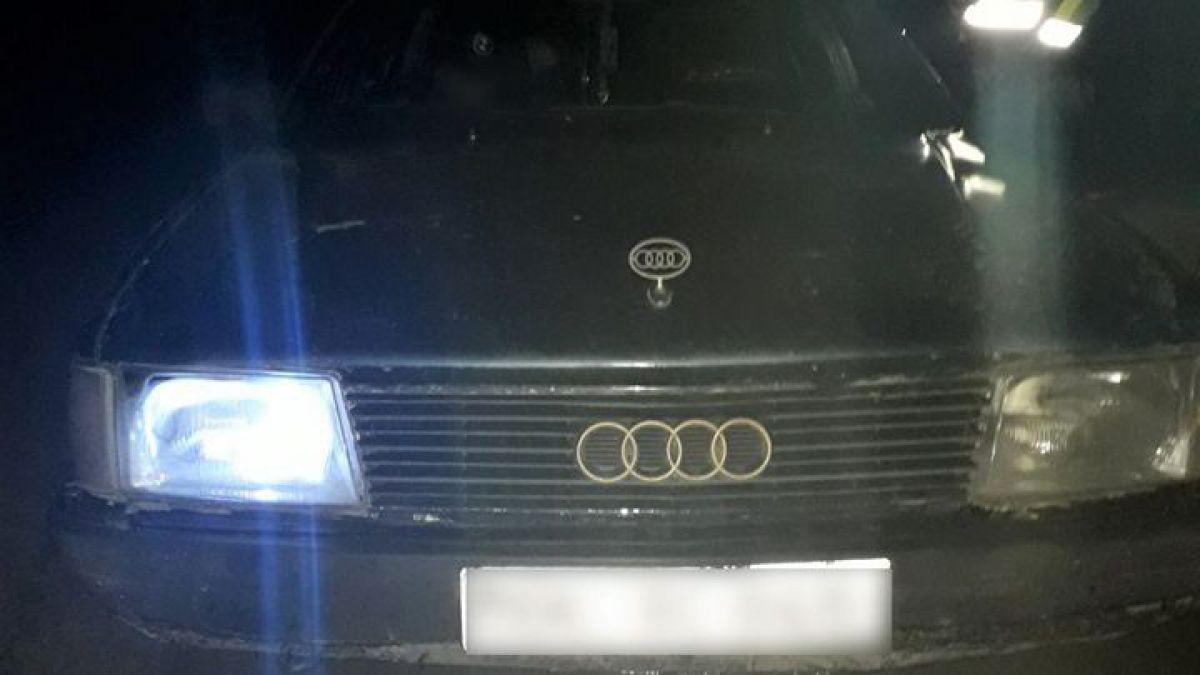 Patru minori au răpit un automobil parcat pe o stradă din Bălți
