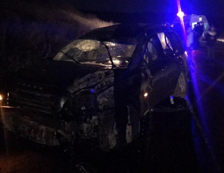 FOTO | O femeie a murit, după ce s-a răsturnat cu un Volvo, la Ungheni