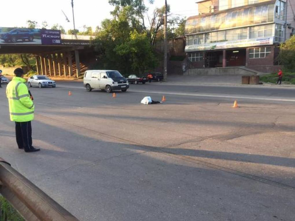 Accident tragic la Fălești! O persoană a fost tamponată mortal în timp ce traversa strada